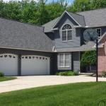 4 Benefits of Hiring an Expert for Your Garage Door Repairs